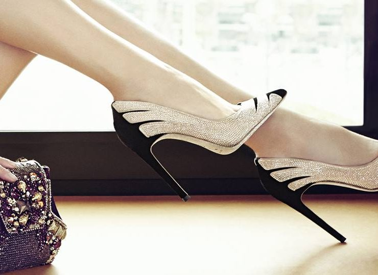 legatura dintre femei si pantofi