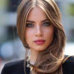 Femeie atractiva